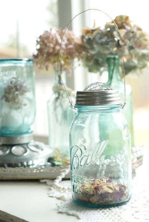 Hanging Mason Jar Vase with Frog Lid