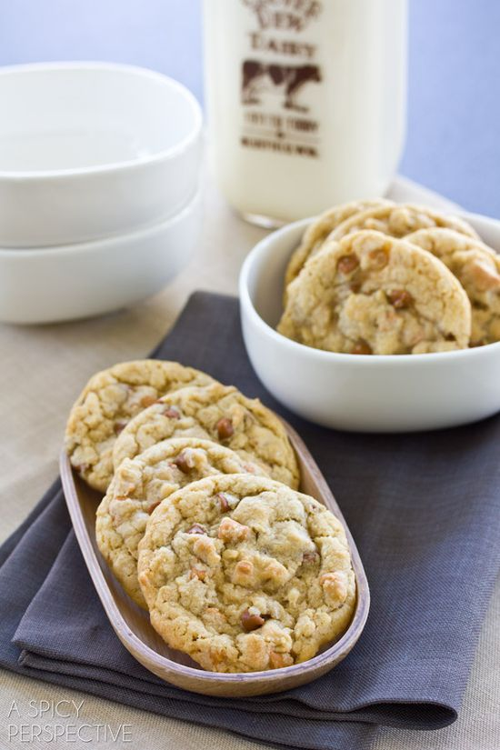 Soft Oatmeal Cookies with Cinnamon and Butterscotch Chips