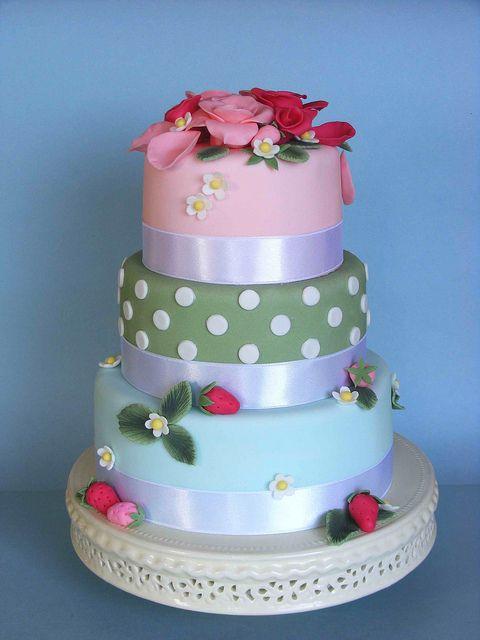 Strawberry cake by bubolinkata, via Flickr