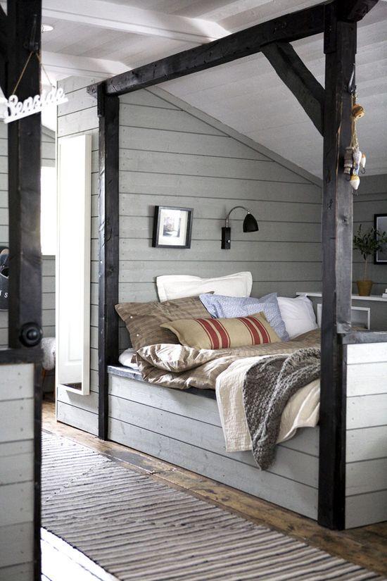 colonial attic bedroom