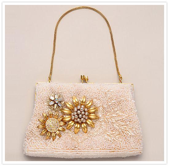 Love this purse I had one  similar.