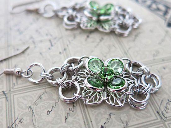 Swarovski Crystal Flower Chainmaille Earrings  by @AlycenMaille   #chainmaille #DangleEarrings #Jewelry #Swarovski #FlowerEarrings #GiftForMom #MothersDay #Unique