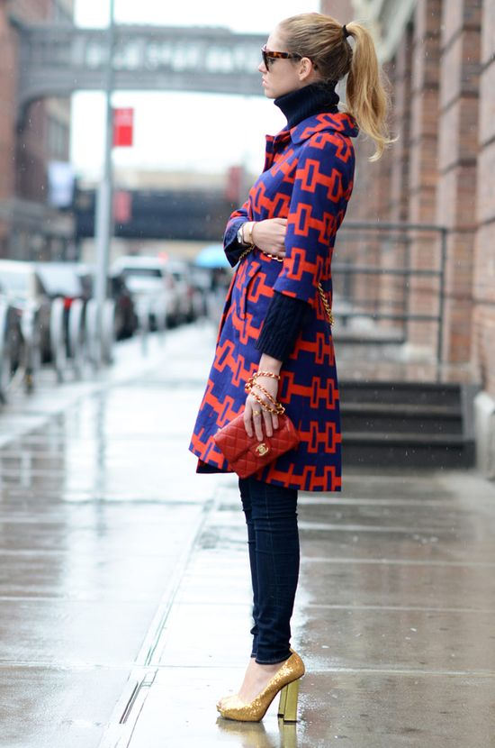 Bold red and blue graphics plus sparkling gold shoes equals success. Adore this look! #style
