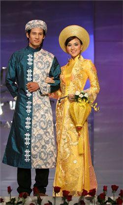 Traditional Vietnamese wedding dress - Ao Dai - ao-dai-wedding-dress with khanh vanh headdress