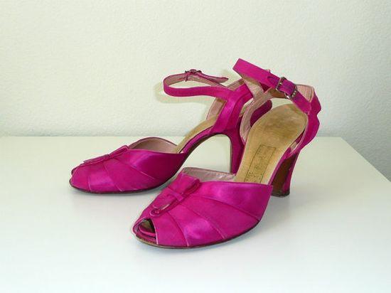 vintage 1930s Shoes // Satin Evening Heels by DeseoVintage on Etsy