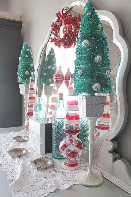aqua and red Christmas Decor