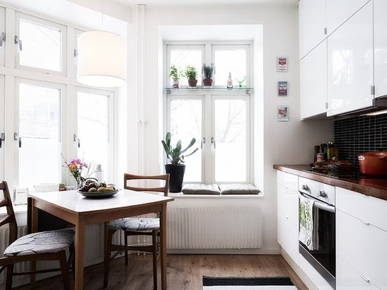 my scandinavian home: Apartment with a mid-century touch
