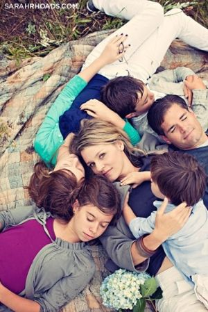 family photo ideas poses by ricki.nickel