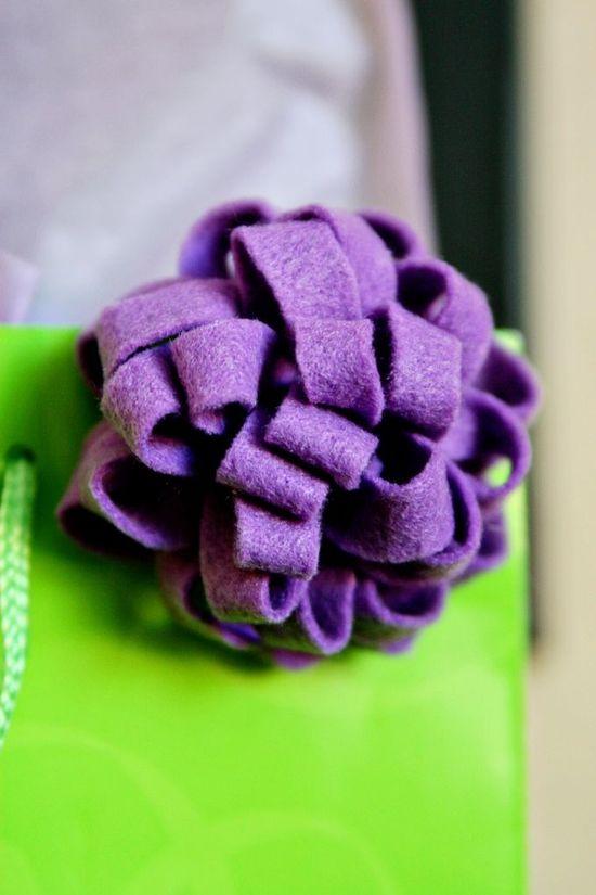 DIY: reusable felt gift bow