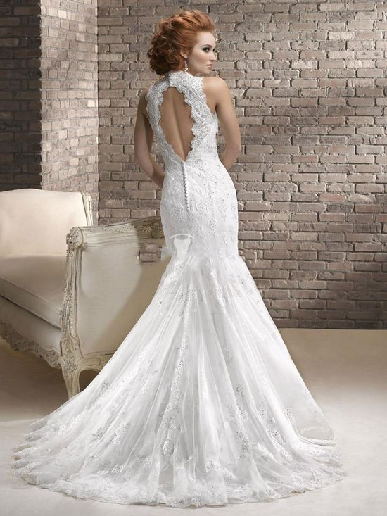 Love this Wedding Dress WHEN AND IF I MARRY AGAIN, would be beautiful for a beach wedding.