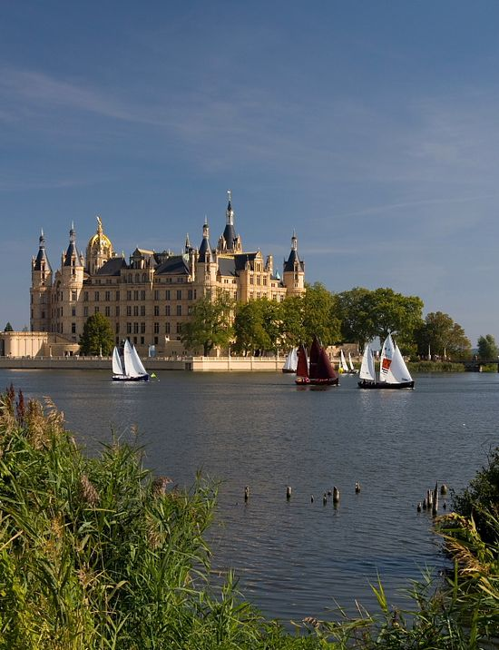 The home of the dukes of Mecklenburg, Schwerin Castle, Germany (by hardyuno)