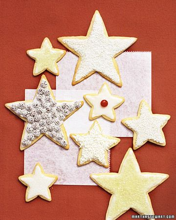 Martha's Sugar Cookies...love the idea of different cookie sizes all on one plate!