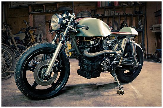 Retro Moto's '81 Honda CM400 - Pipeburn - Purveyors of Classic Motorcycles, Cafe Racers & Custom motorbikes