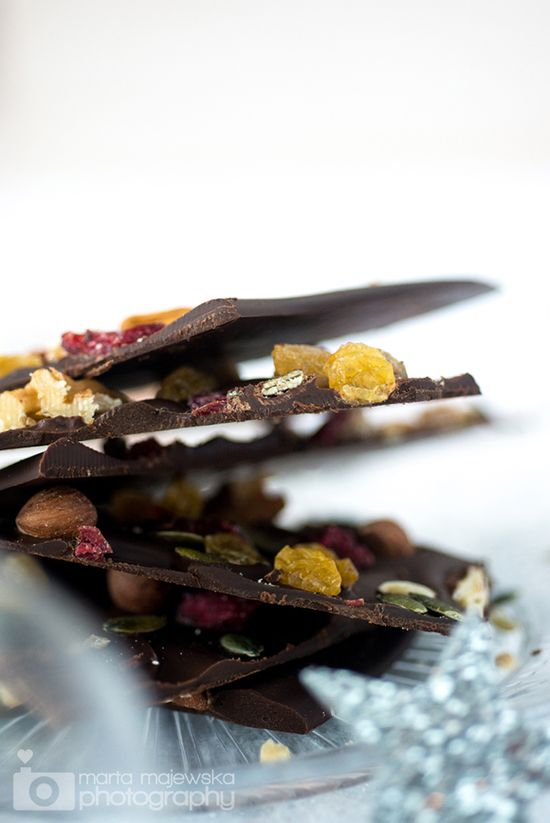 dried fruit and nuts chocolate