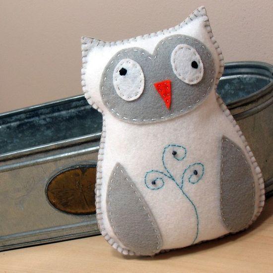 Stuffed Owl PATTERN - Sew by Hand Plush Felt Stuffed Animal PDF - Easy to Make - Snowy Owl