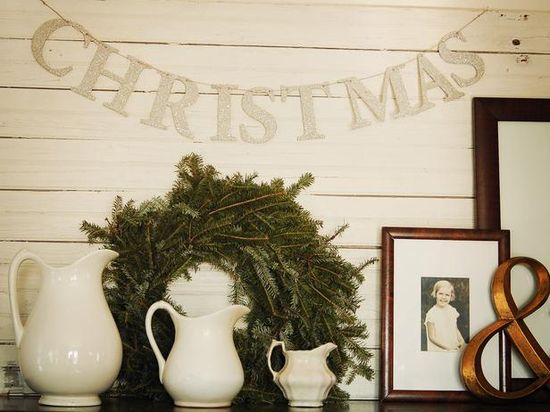 How to Make a Holiday Glitter Banner