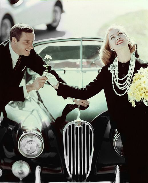 I love pearls! #vintage #fashion #1950s #car #couple