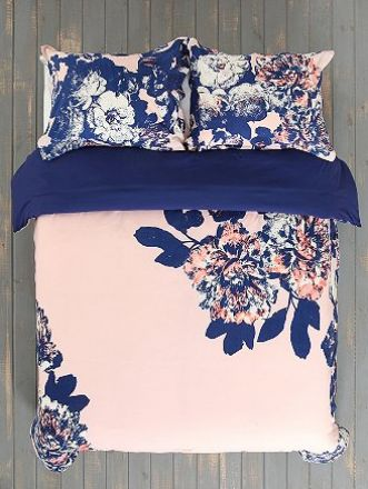 #bedding #floral #flowers #decor #design #bedroom
