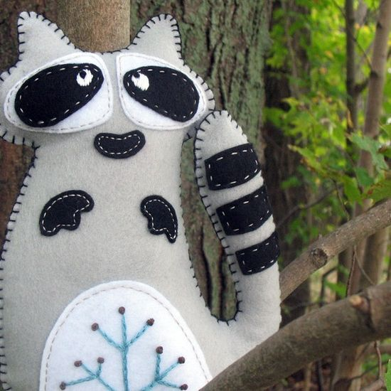 Stuffed Raccoon   #raccoon #felt #DIY