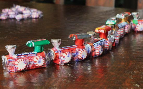 Chew…chew! Make this cute and tasty candy train with the kids.