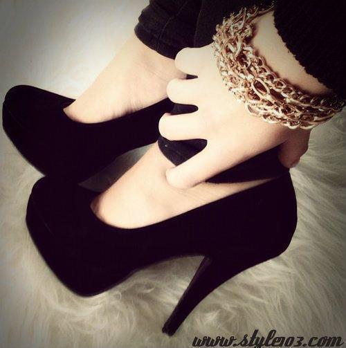 girls fashion shoes 2 Girls Fashion