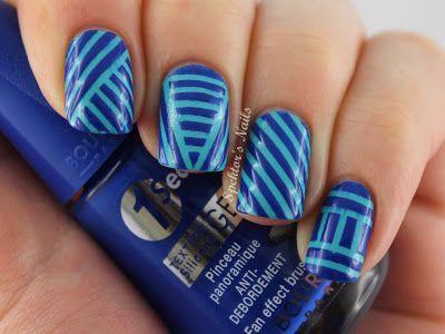 striping nail art