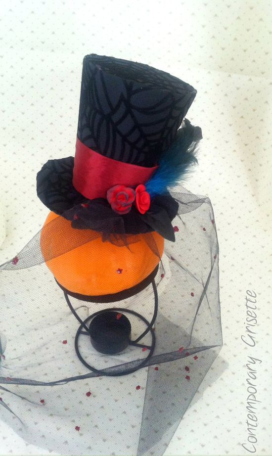 Halloween elegant mini hat with veil and handmade roses