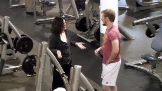 Amy Talks To Strangers Using Song Lyrics At The Gym - #funny #Ellen