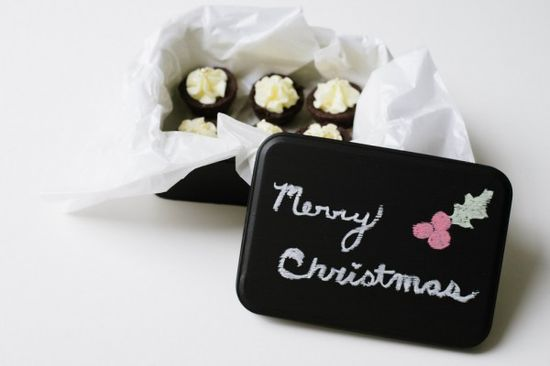 Personalized Chalkboard Tin:: A Simple DIY Gift