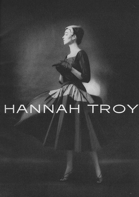Fantastically elegant. #ad #vintage #fashion #1950s