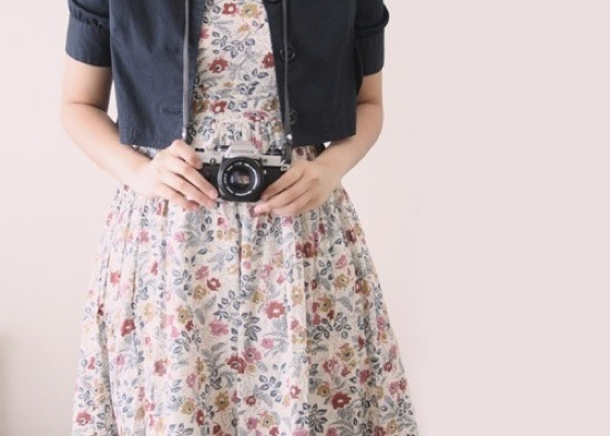Click. Click. 9 Photography Tips (a roundup of great photography articles from portrait setup to product photography how-tos). #photography #tips