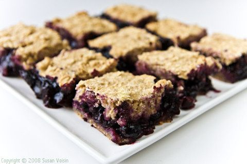 Blueberry-Oat Bars from Fat Free Vegan Kitchen. No refined flour, white sugar, added fat, soy, or gluten (if you use gluten-free oats).