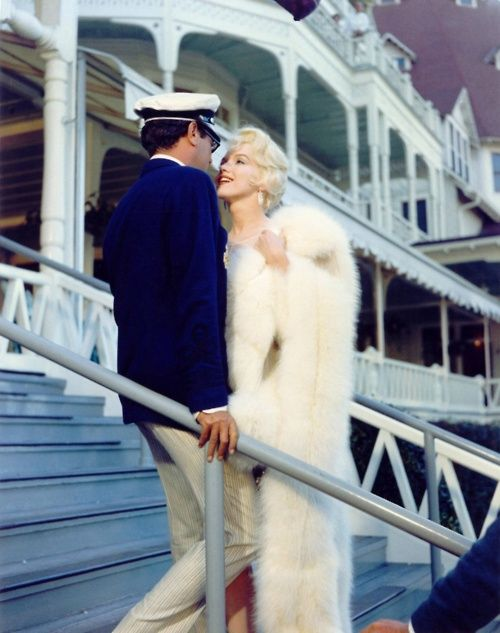 """... """"Some Like It Hot"""" movie still ...  Tony Curtis and Marilyn Monroe"""
