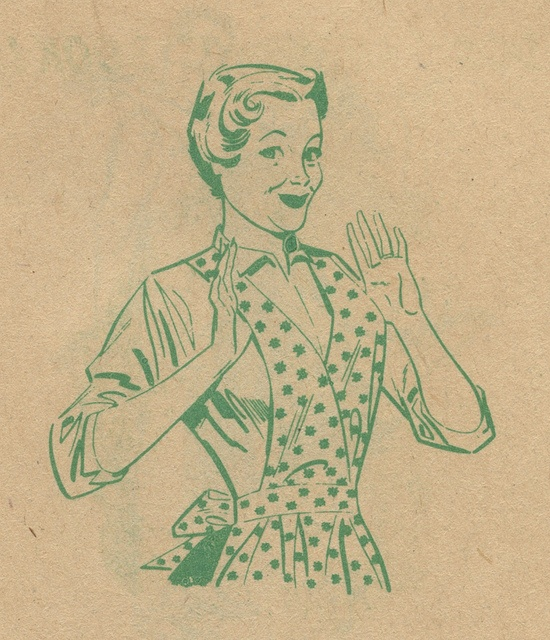 This vintage mama certainly seems proud of herself :) #vintage #apron #homemaker #housewife