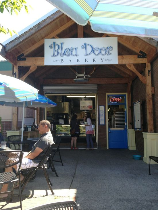 Amazing French bakery! Blue Door cookies and brownies from heaven!