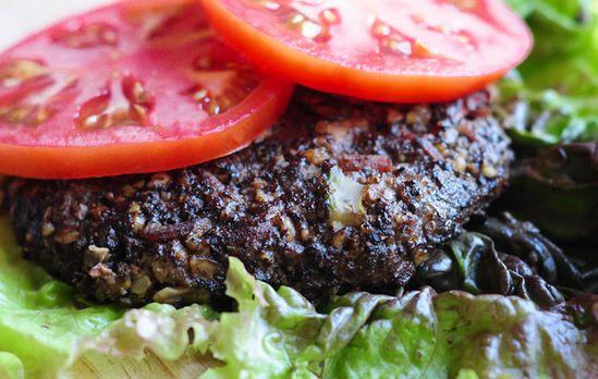 Raw food mushroom burgers