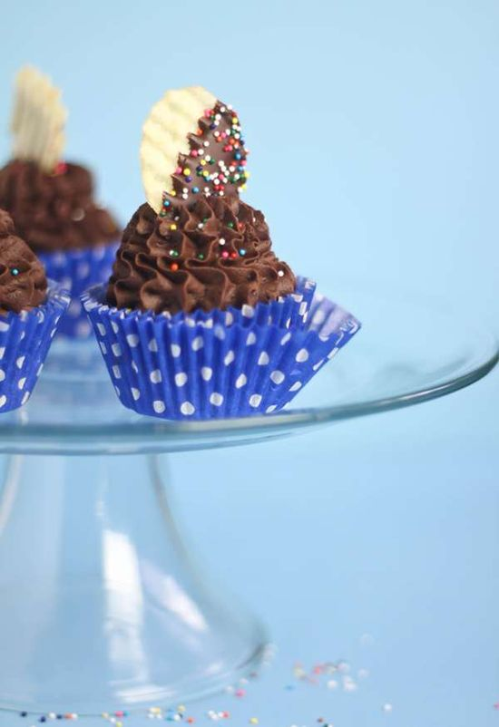 Spud Spiked Desserts -  These Chocolate Mashed Potato Cupcakes are Deliciously Intriguing #cupcakes #mashedpotato #food #cooking #potatos #cakes #baking  Wow, this looks good.