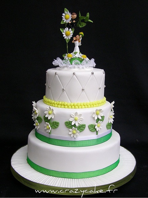 Wedding cake by Crazy Cake - Cakedesigner57, via Flickr