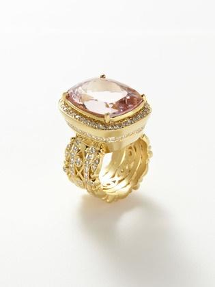 CARLY MORGANITE & DIAMOND RECTANGULAR CUSHION RING