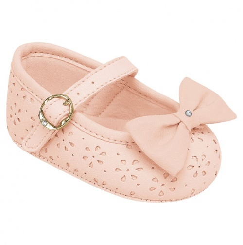 pink baby shoes :}}