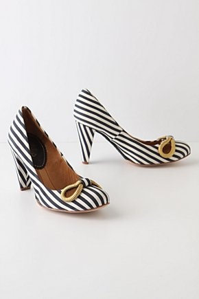 Striped shoes with bow