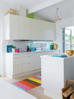 kitchen: white with pops of colour