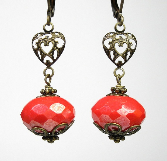 Czech fire polished rondelle beads incorporated in earrings. I love the swirled bead cap!