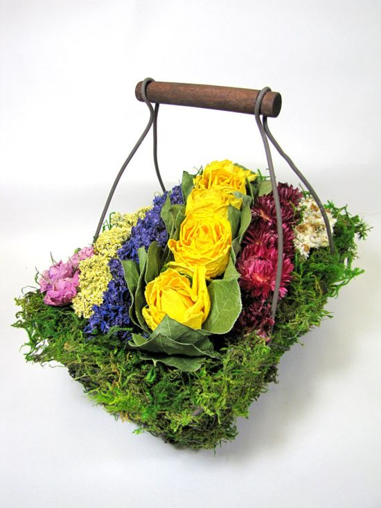 Contemporary Dried Floral Arrangement #flowerarrangement  #driedflowers