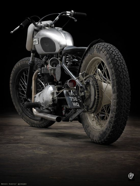 """Triumph T120 """"Eastside"""" Bobber"""