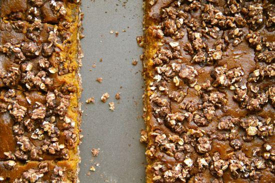 Healthy Pumpkin Pie Oatmeal bars // Recipe