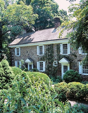 Love these old stone homes of the NE.  #home #stonehouse