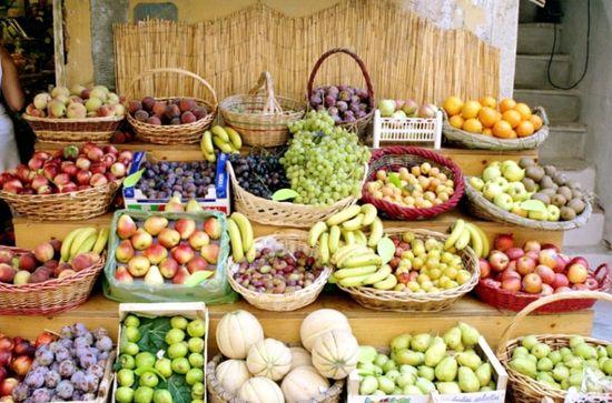 Fruit Stand Riomaggiore - Riomaggiore, Italy by Terez Anon