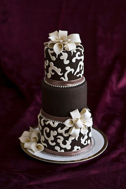 Wedding Show cake by Erin Salerno, via Flickr