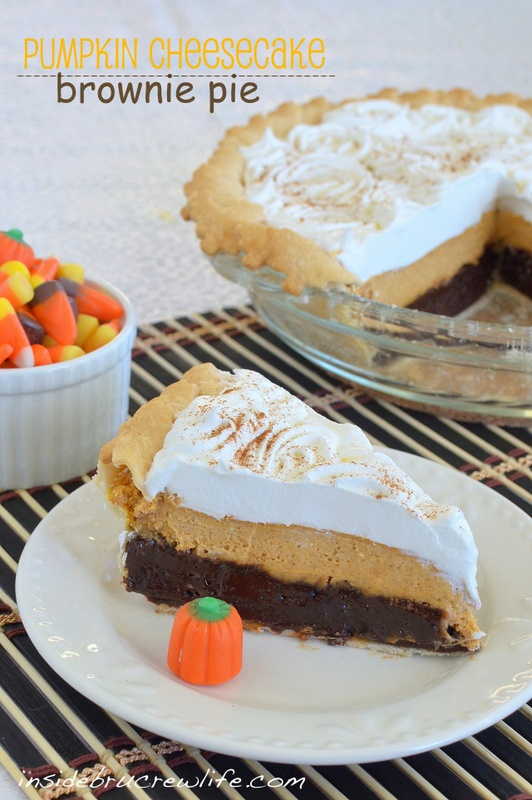 Pumpkin Cheesecake Brownie Pie - a fudge brownie layer topped with pumpkin cheesecake and Cool Whip  #pumpkin #cheesecake #brownie  www.insidebrucrew...